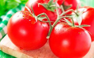 Свежие и маринованные помидоры беременным